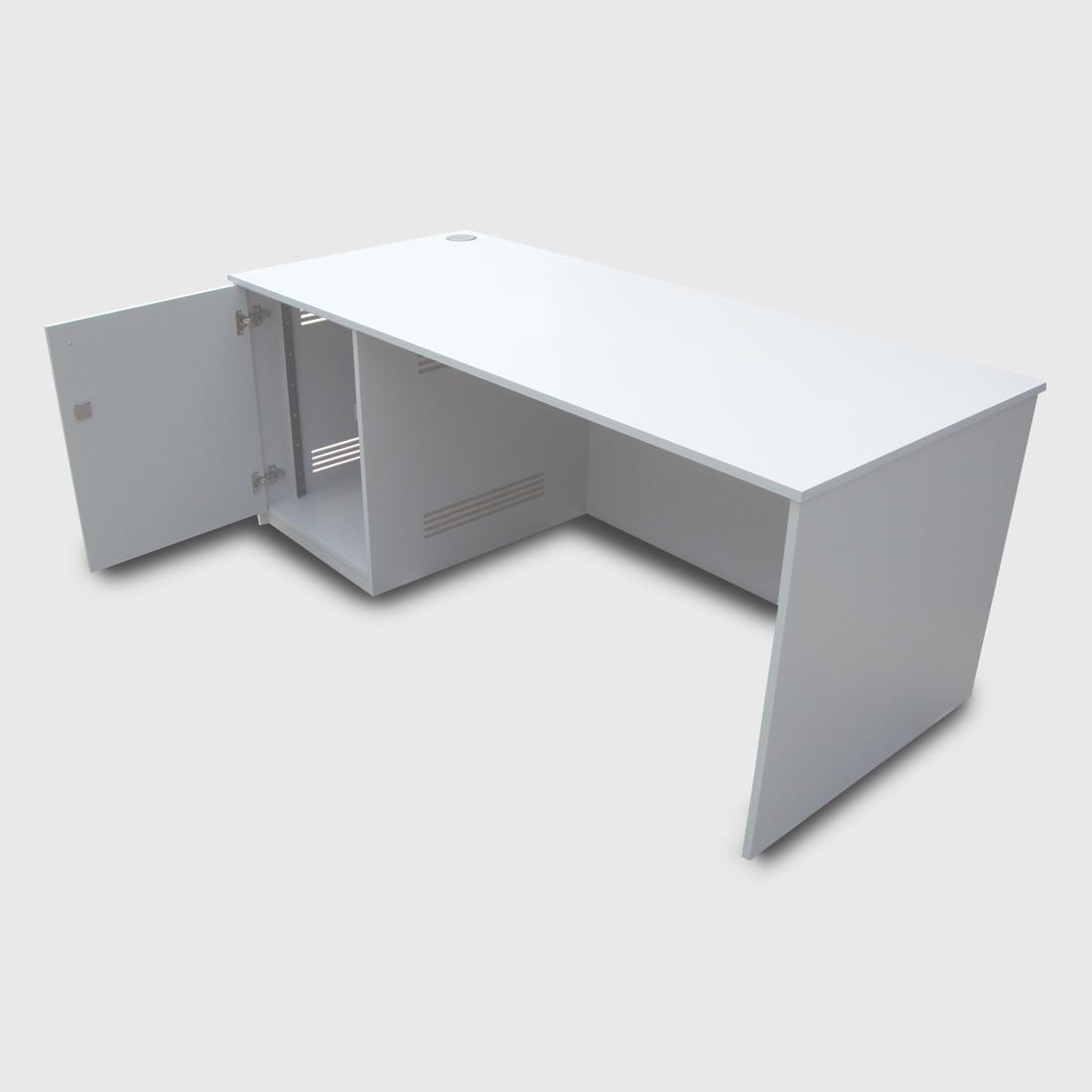 Av Desk 02 Turning Leaf
